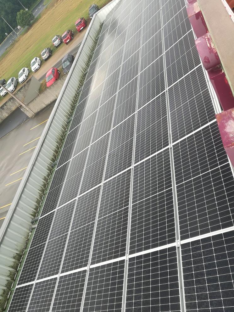 Panele solares en Embutidos Lalinense